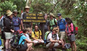 Erklimmen Sie gemeinsam mit einer kleinen Wandergruppe den imposanten Kilimanjaro in Tanzania
