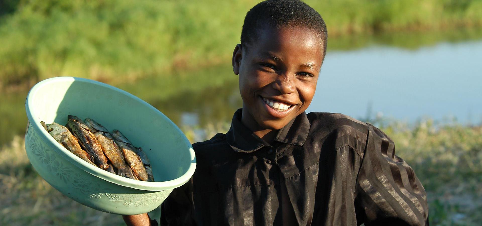 Fischverkäufer - Malawi Urlaub & Reisen