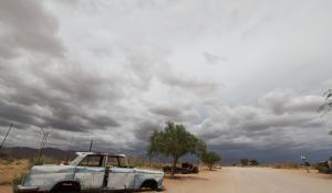 Nördlich des Namib Naukluft Parks befindet sich die Farm Solitaire mit vielen interessanten Autowracks
