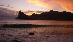 Der Sentinel in Hout Bay bei Sonnenuntergang
