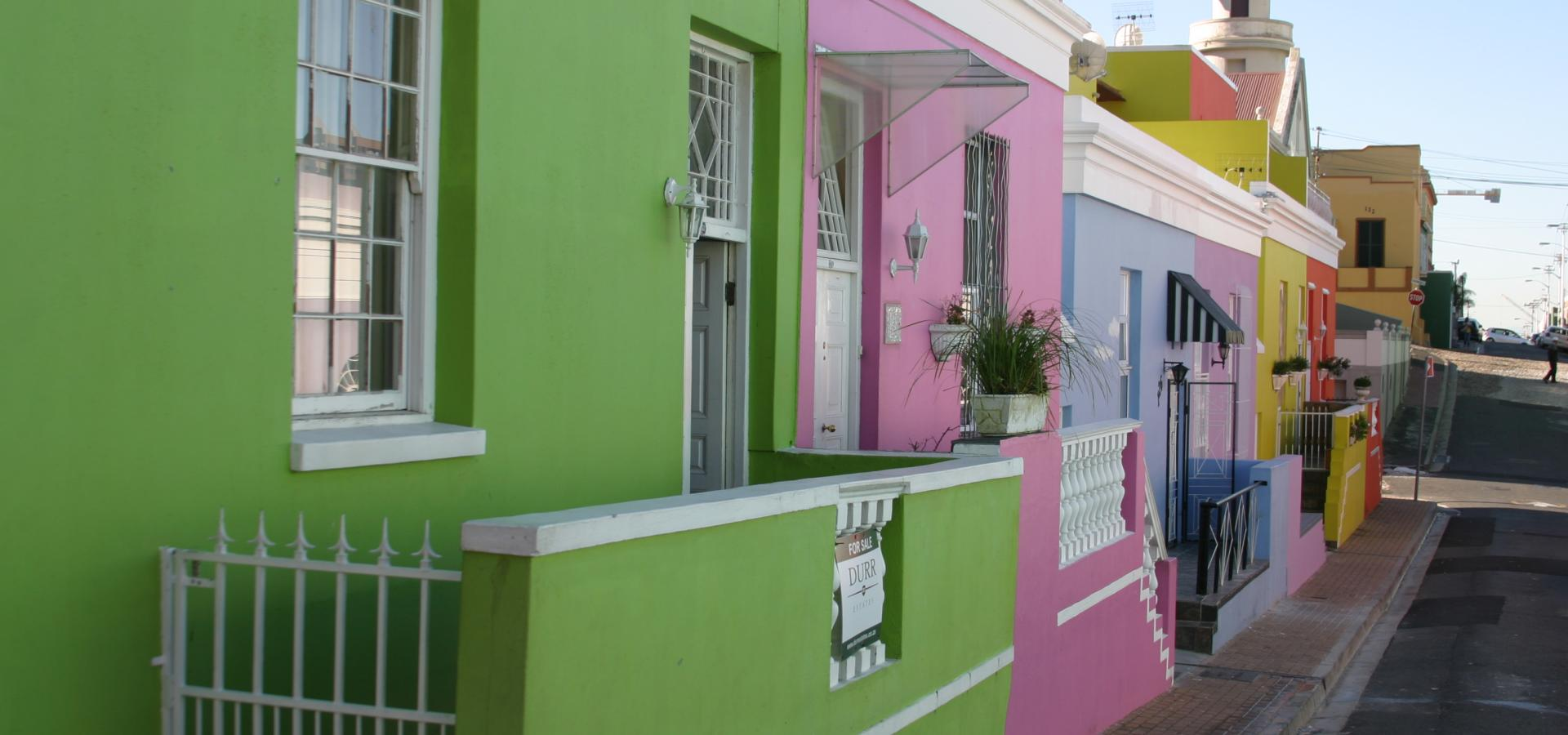 Das Bo-Kaap in Kapstadt erkennt man an seinen farbenfrohen Häusern